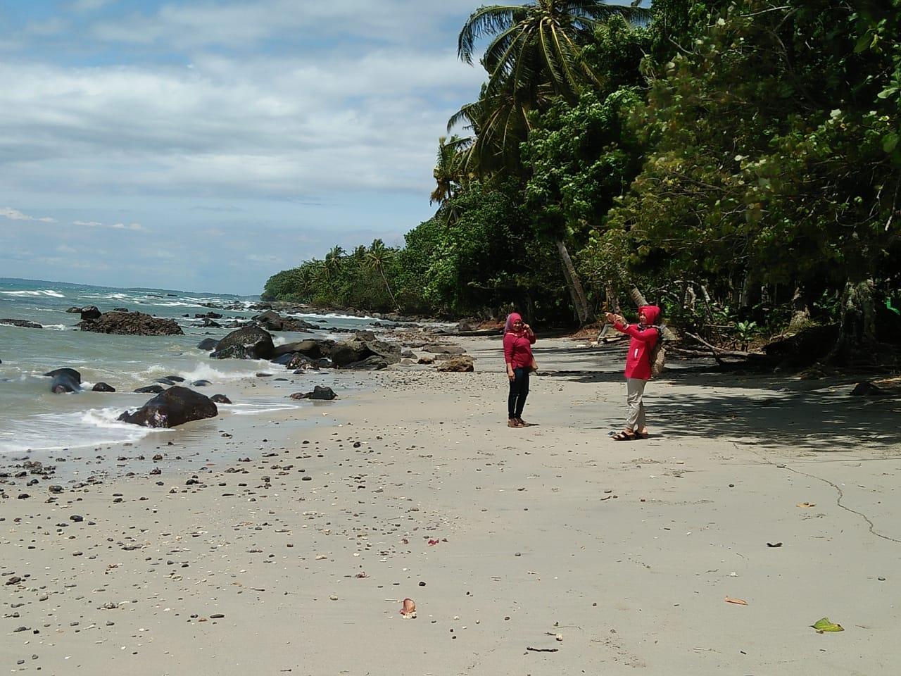 Wisata Ke Pantai Gading